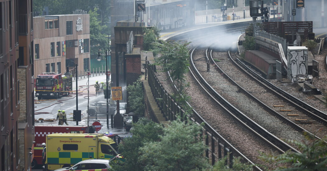 fire-breaks-out-at-major-london-train-station