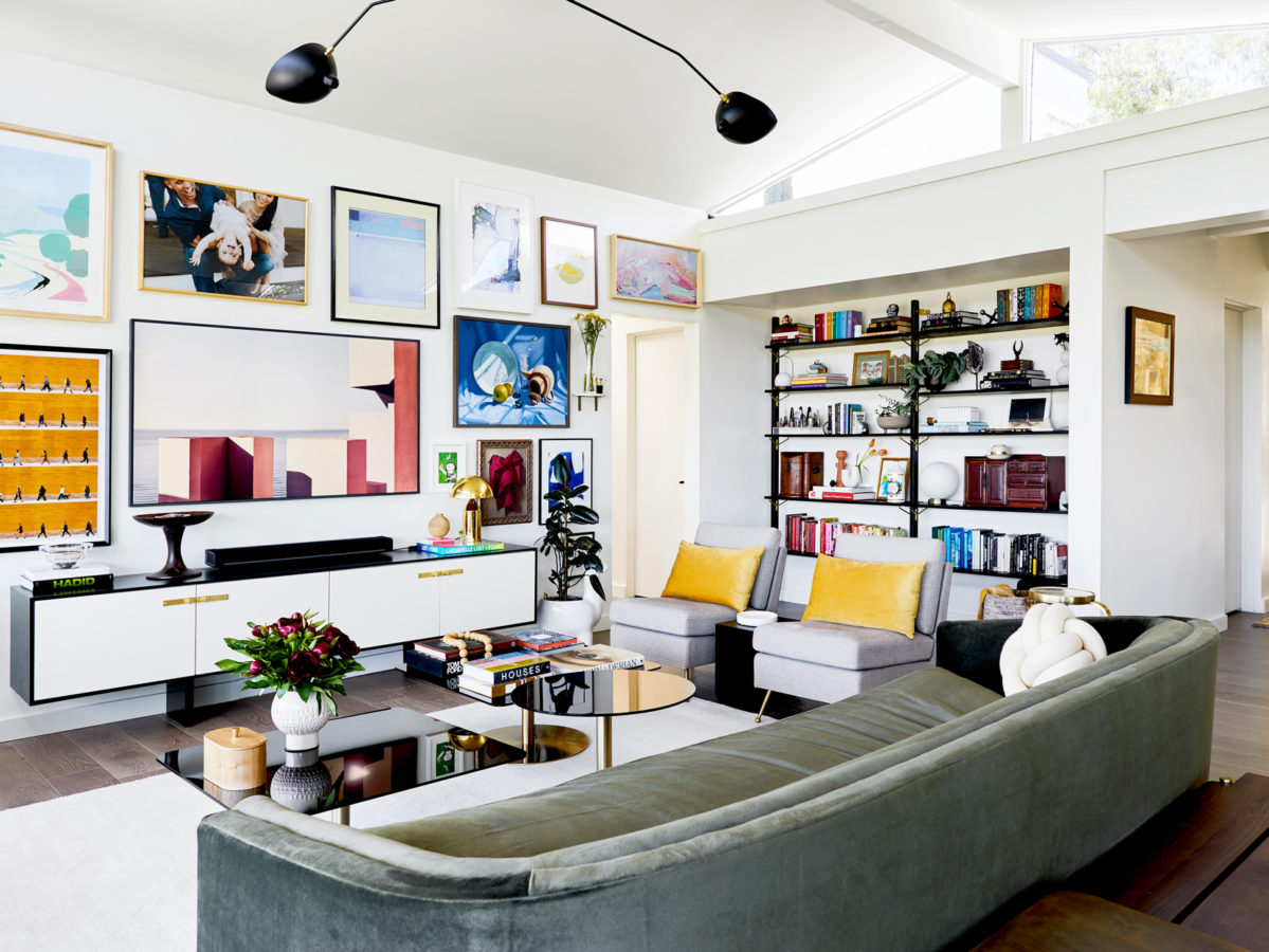 follow-this-guide-when-decorating-a-large-living-room-wall-space