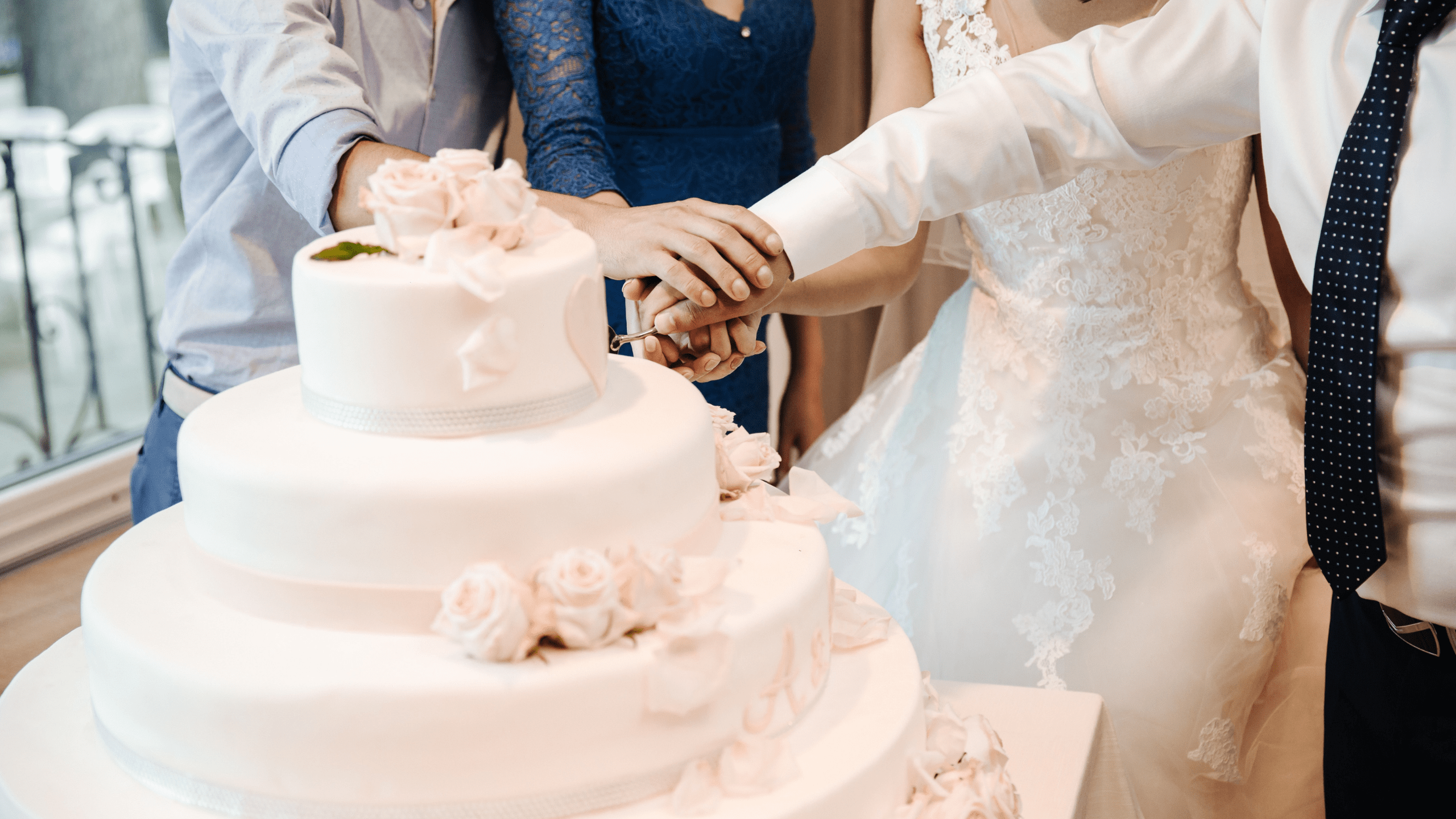 5-custom-wedding-cake-bakers-to-book-for-your-big-day