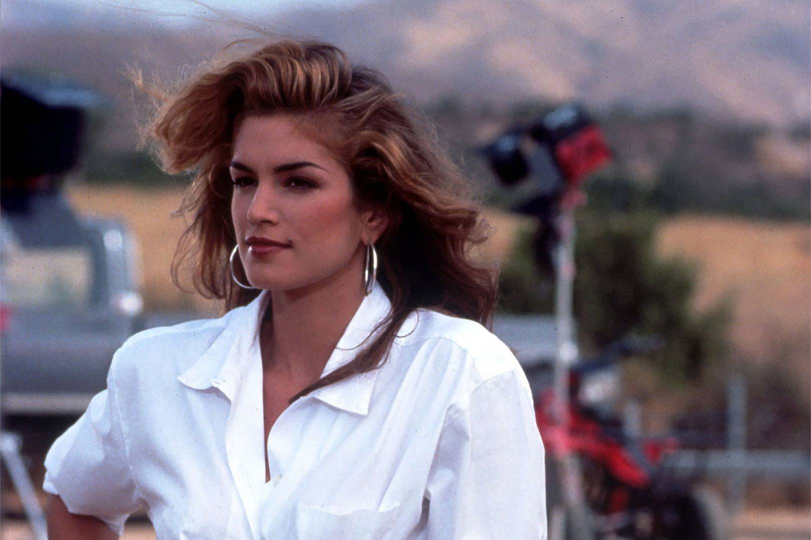 why-cindy-crawford-is-the-ultimate-summer-style-idol