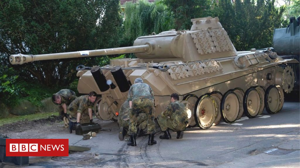 german-lawyers-wrangle-over-pensioner's-ww2-tank-in-basement