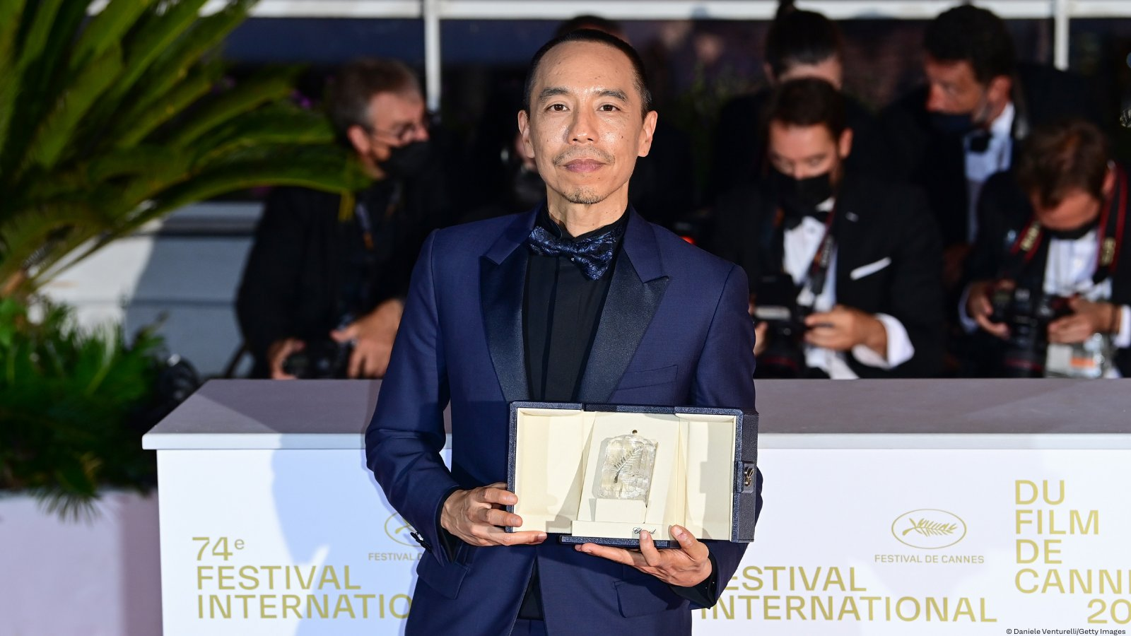 memoria-wins-jury-prize-at-cannes:-here-are-5-facts-about-its-director,-apichatpong-weerasethakul