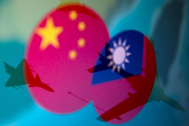 taiwan-ex-deputy-defence-minister-investigated-over-'china-spy'-contacts
