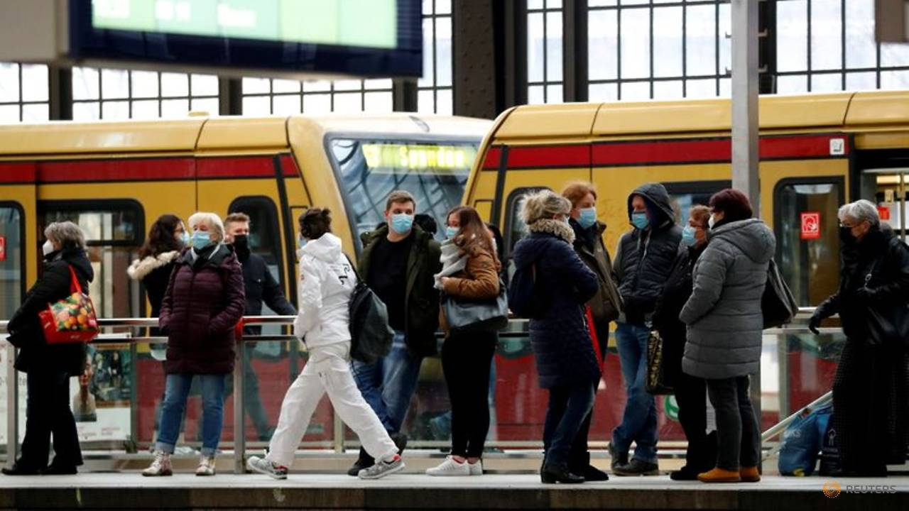 more-than-half-of-german-population-fully-vaccinated-against-covid-19:-minister