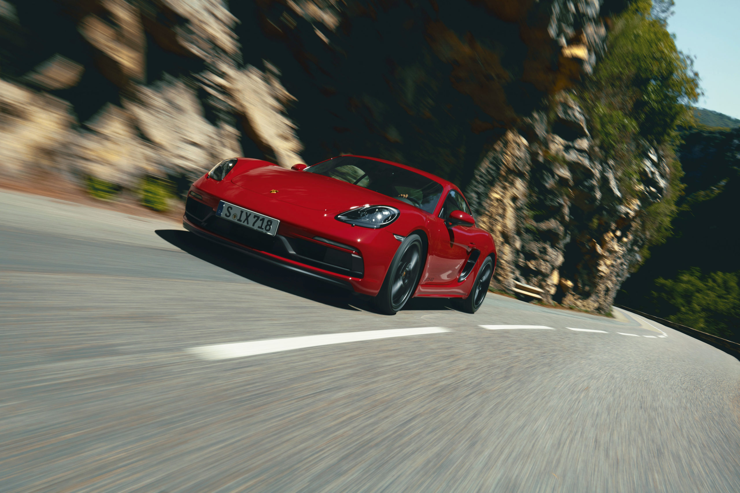 chasing-the-red-line-with-porsche-718-cayman-gts