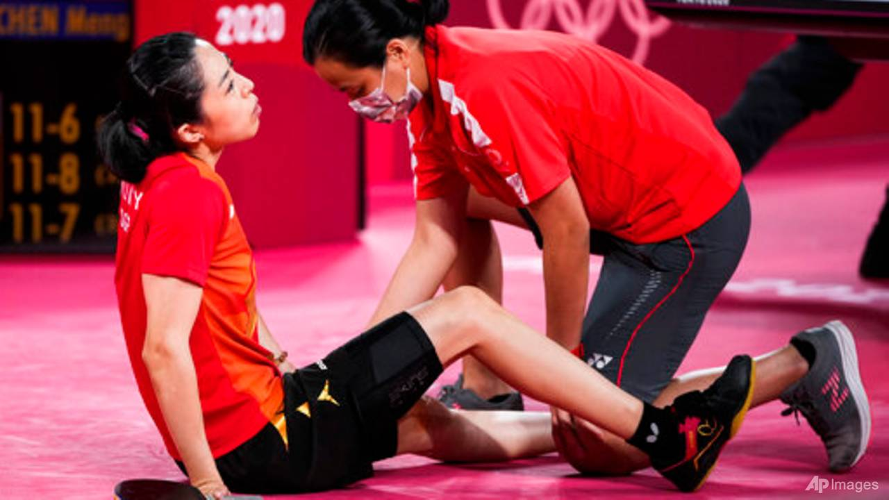 injured-in-olympic-semi-finals,-but-singapore's-yu-mengyu-vows-to-battle-on