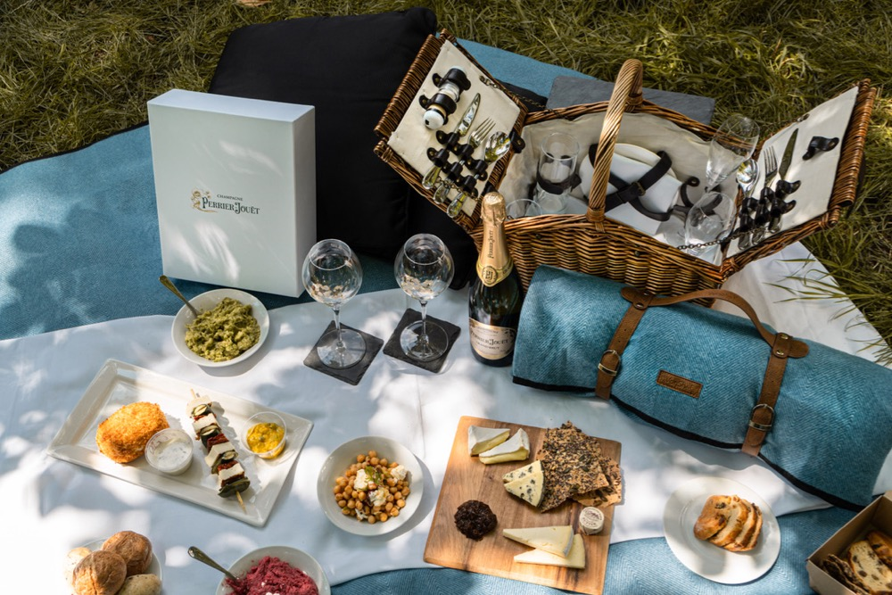 dukes-london-adds-a-perrier-jouet-picnic-to-its-menu-of-summer-picnics-for-collection