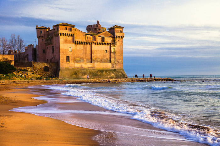 7-of-the-best-beaches-near-rome