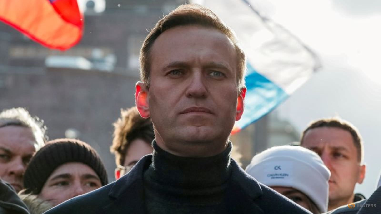wife-of-kremlin-critic-navalny-delivers-borsch-and-cherries-in-3-day-prison-visit